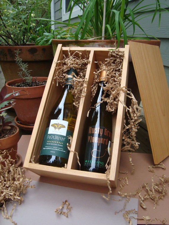 Personalized wood wine box - wedding gift - groomsmen gift - in alder wood - sized for two wine bottles