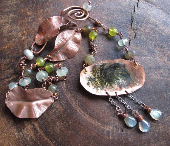 Woodland Teardrops - Necklace