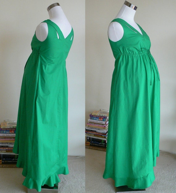 Maxi Maternity dress in Green Color