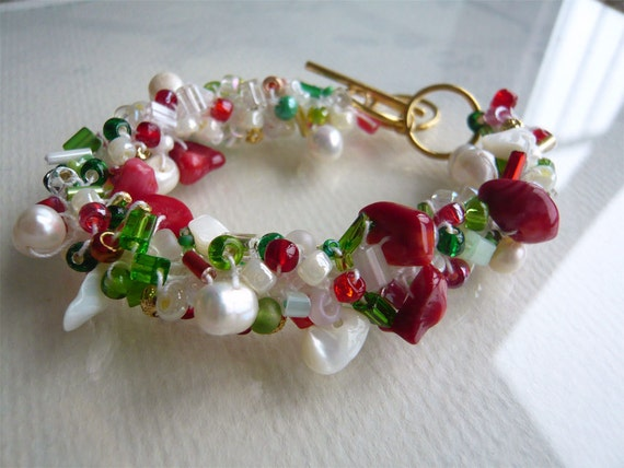 Beads and Crochet Bracelet - Holly Jolly - Christmas Colors - Crocheted Jewelry