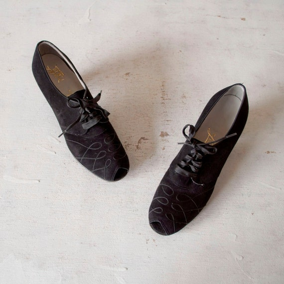 Vintage 40s Ribbon Oxfords / Black Suede / by GingerRootVintage from etsy.com