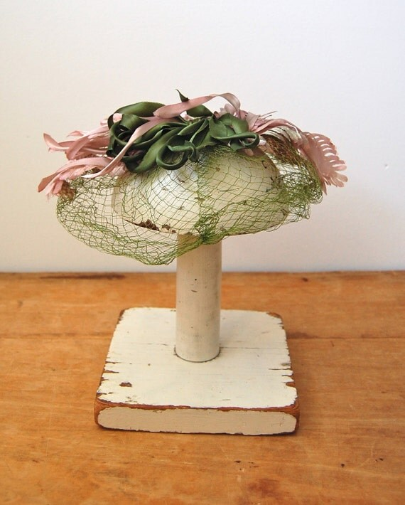 Vintage 1960s Fascinator - Green Veiled Hat - The Henrietta