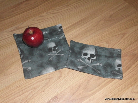 "Reusable Snack/sandwich Bags ""Skull and Crossbones"" - Set of 2"