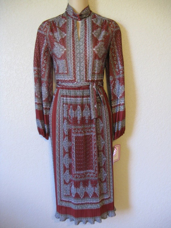 1970's scarf print dress. maroon and gray. sheer high neck. small. new old stock.