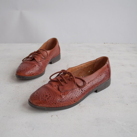 2013 Brand Vintage Brogues Genuine Oxfords Women's Flat shoes PU Leather Wing Tip Shoe Brown