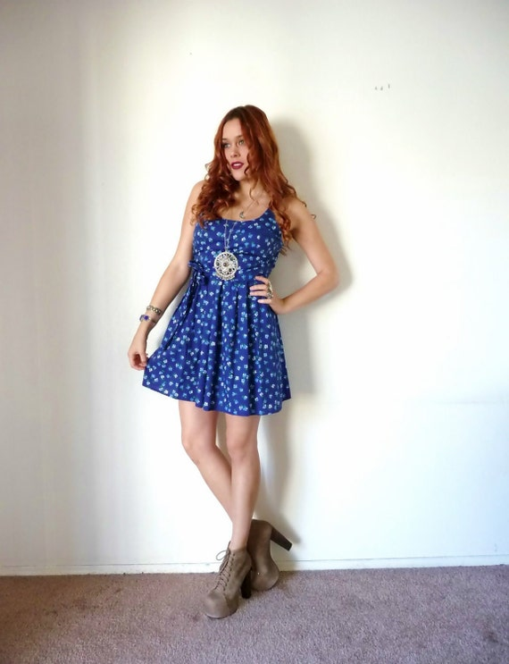 Vintage 60s Blue FLORAL COTTON Smocked Mini Dress S M