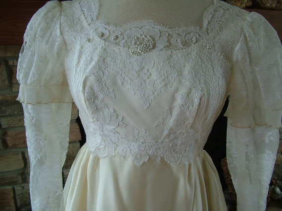 Wedding dress 1970s vintage Romeo and Juliet bohemian style bridal gown
