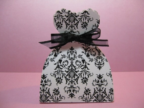 25 Black and White Damask Wedding Bride Dress Favor