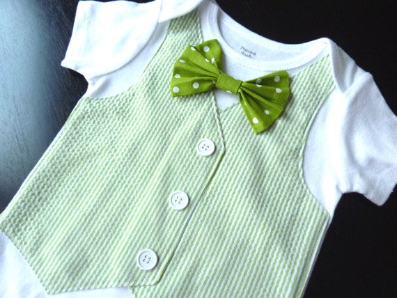 St. Patrick's Day Short Sleeve Green Seersucker Onesie Vest with Removable Polka Dot Bow Tie