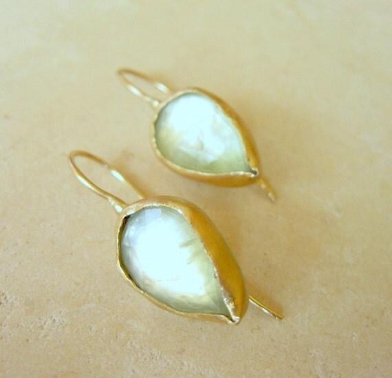 Prehnite Teardrop Earrings / Teardrop Prehnite in 14k Solid Gold Bezel Earrings