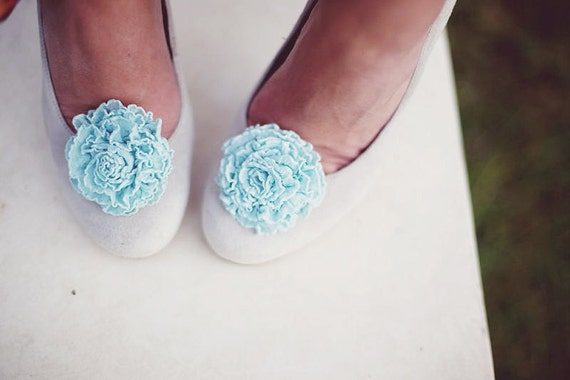The Belle- je t'aime ruffle bloom shoe clips- something blue