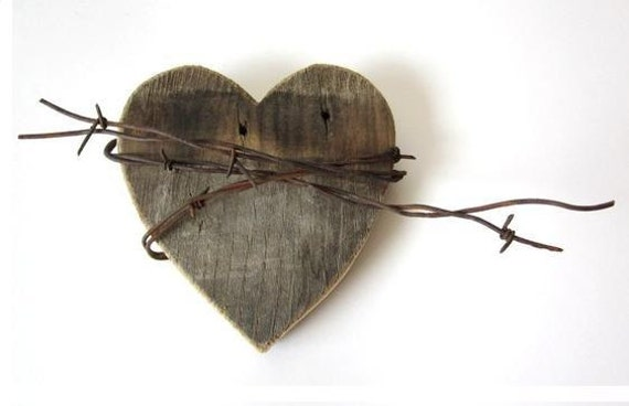 Old Heart barn wood sign rusty barbed wire Shy Wild Heart wedding decor