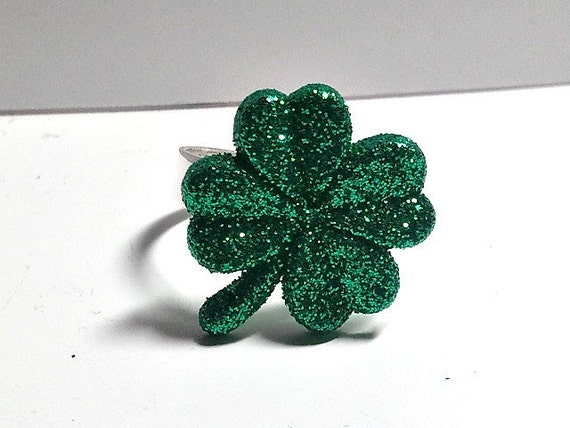 Four Leaf clover ring