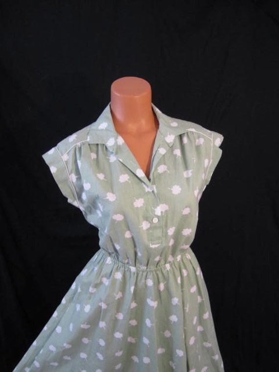 SUMMER DAYDREAM vintage Europe day dress - full skirt - light green cotton cloud print sz 8 10 M