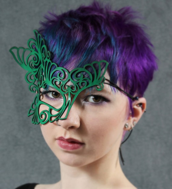 Roxy leather mask in bright green