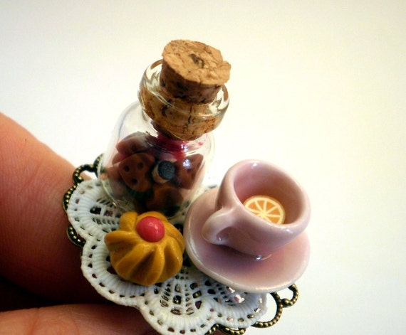 Alice in Wonderland Tea Time Tea Cup and Biscuits Jar Adjustable Ring Handmade - SoSweet Collection Bijotti&Ciciotti