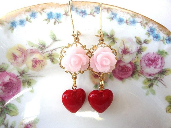 Shabby Chic Earrings, Wedding Earrings, Bridesmaid, Maid of Honor, Brides, Bridal Earrings,Vintage Lucite, Red Hearts
