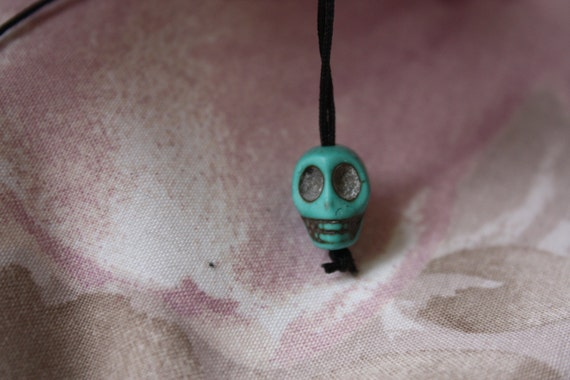 "Colourful Resin Mottled Skull 15"" Drop Black String Necklace"