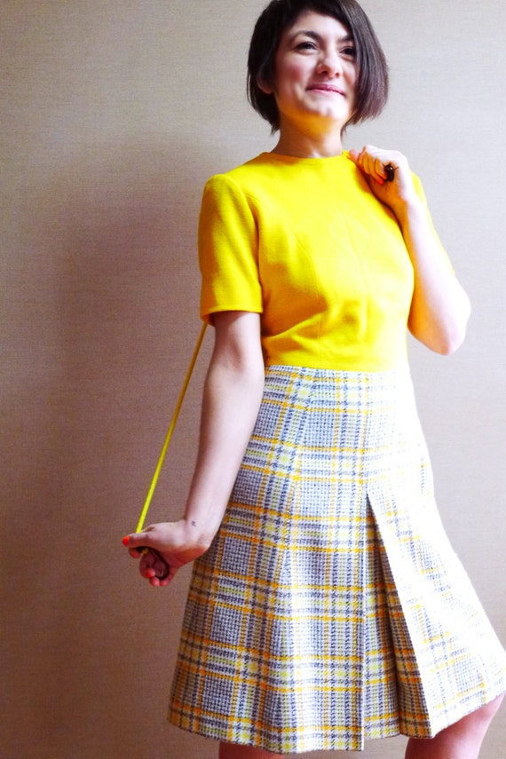60s yellow sunflower top plaid skirt Twiggy mod scooter shift dress S.