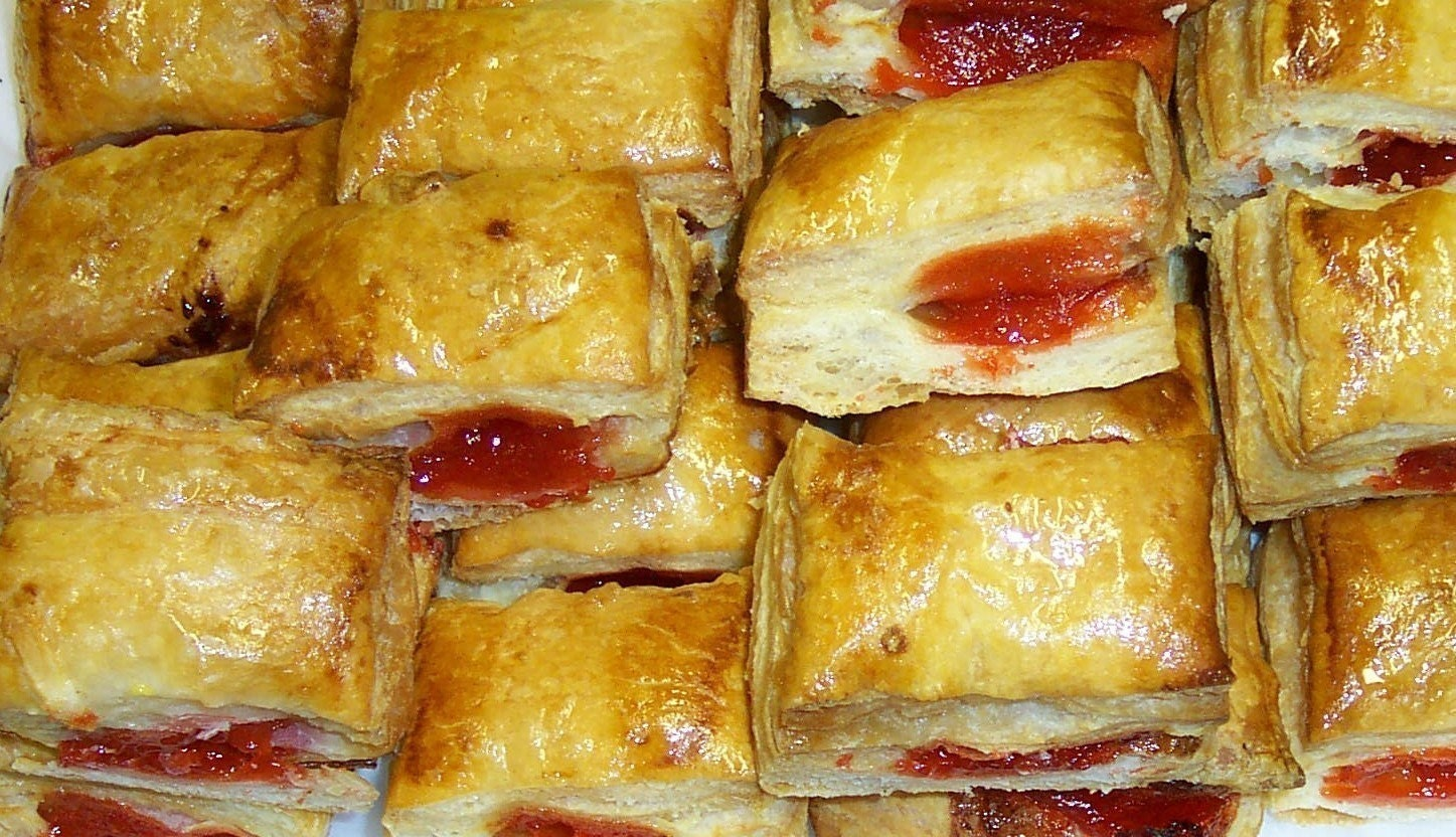 cuban guava pastry pastelito | food to make | Pinterest