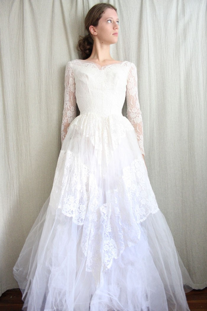Simple Vintage Lace Wedding Dress : Bridal dresses uk vintage lace wedding