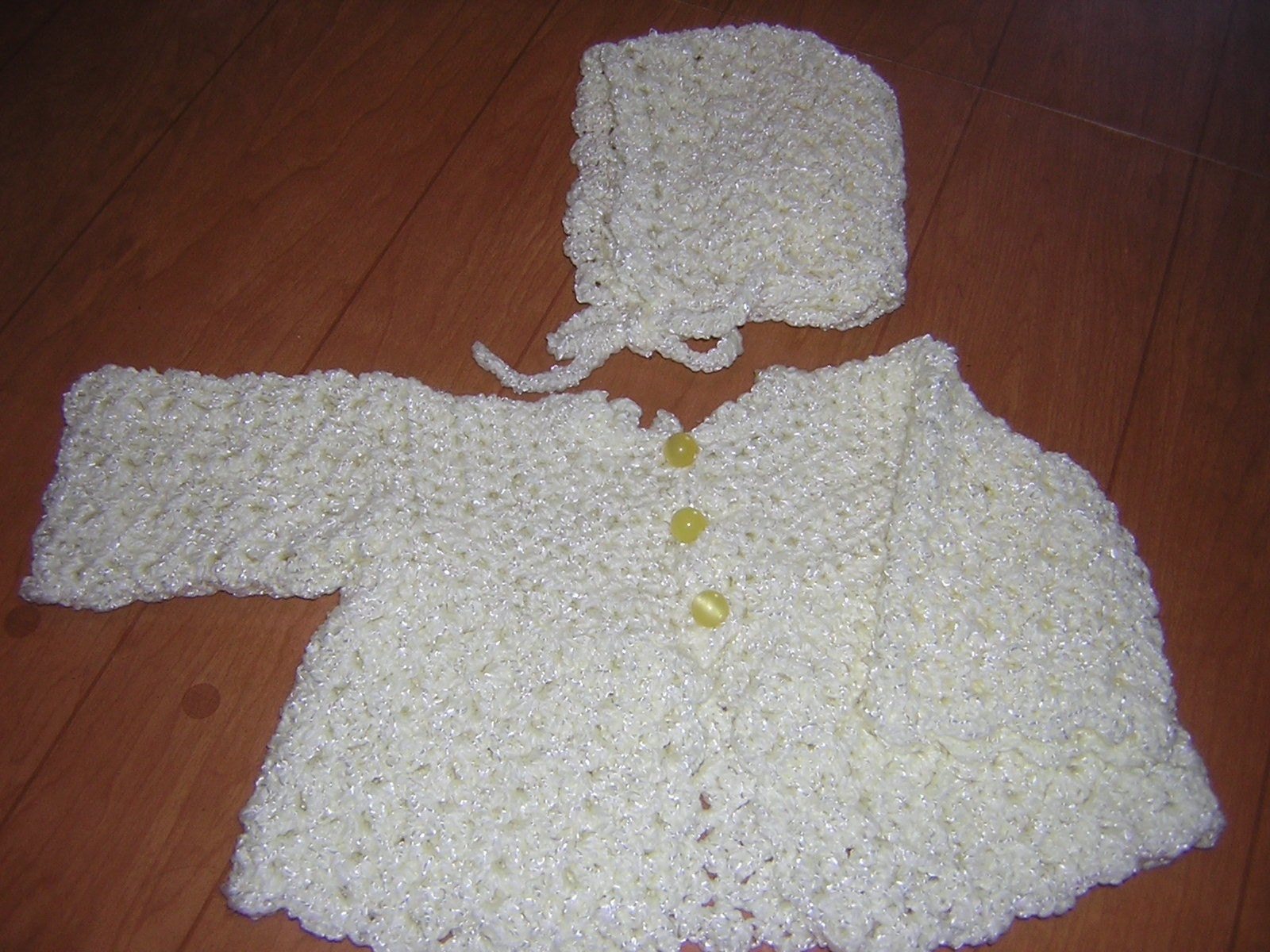 Crochet Baby Sweater : beginner-crochet-baby-sweater Images - Frompo - 1