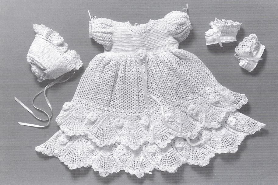 Free Knitting Pattern Baby Christening Gown : CROCHETED CHRISTENING GOWN PATTERNS   Free Patterns