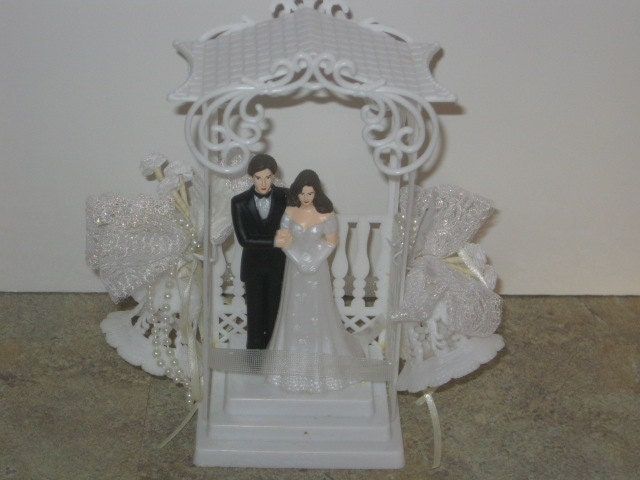 Vintage Wedding Cake Topper Bride and Groom 1990s From BeNiceUseItTwice