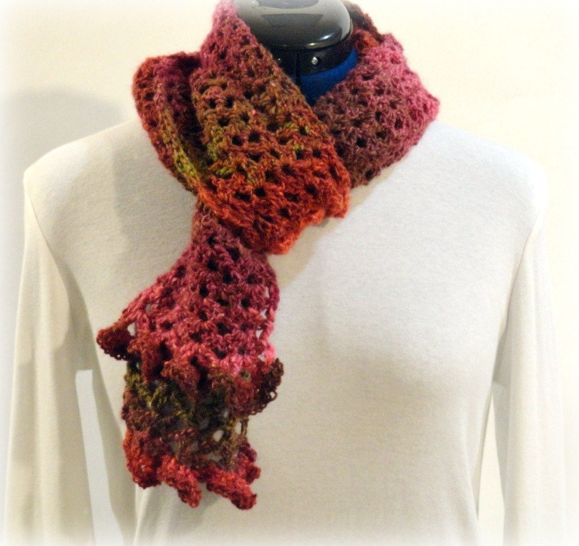 Crochet Ruffle Scarf Pattern « Design Patterns